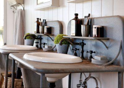 Oxley Island Bathroom Sinks